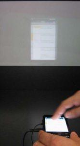 Voorbeeld van een Excel-sheet, geprojecteerd op het scherm (zo'n 2 meter verderop).