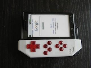 Ontspannen gamen op je Motorola Milestone met de Game Gripper
