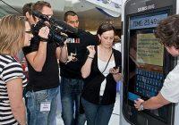 Britse vrouw verbreekt sms-record door te swypen