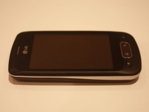 lg-optimus-one-2
