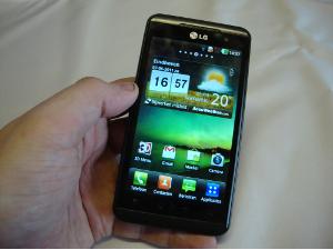 LG Optimus 3D Speed Review: eerste 3D-telefoon van LG