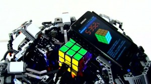 Samsung Galaxy S II lost Rubiks kubus op in recordtijd
