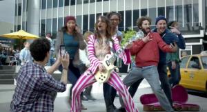 Samsung Galaxy Note Super Bowl reclame met The Darkness en meer beroemdheden