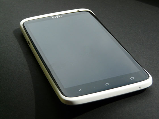 HTC-One-X-foto-12-s