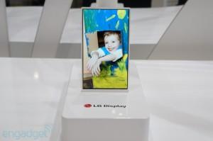LG presenteert prototype 'onbreekbaar' oled-scherm