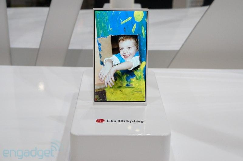 LG bevestigt massaproductie flexibele en 'onbreekbare' schermen