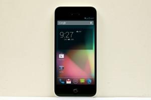 Nep-iPhone met Android 4.2 voor 155 euro te koop