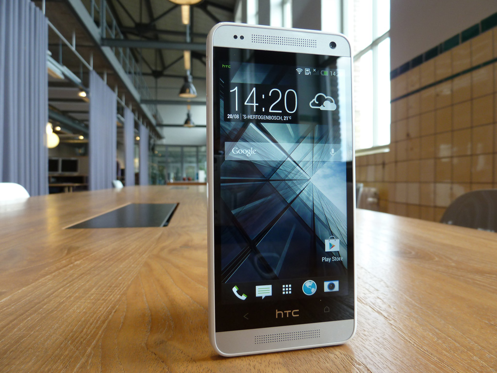 'HTC One Mini productieprobleem met aluminium behuizing'