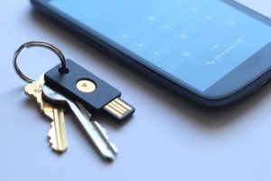 YubiKey-NEO-smartphone-token-password-google-645x430