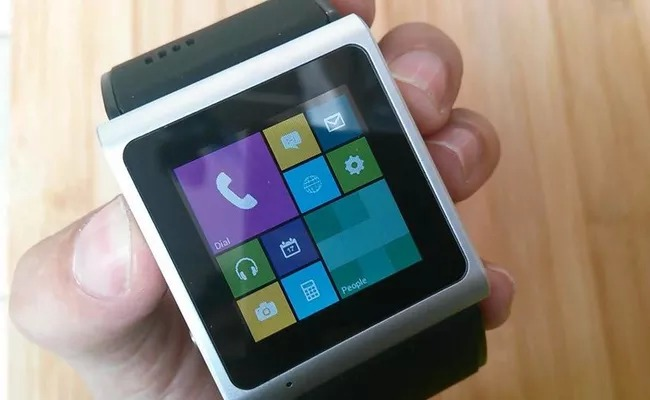 Video: Goophone smartwatch met Android 4.0 voor 300 dollar