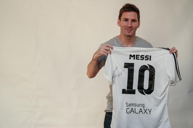 Video: Samsung en Messi vechten tegen aliens, met een voetbal