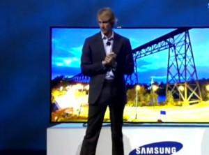 Video: Michael Bay faalt keihard tijdens persconferentie Samsung