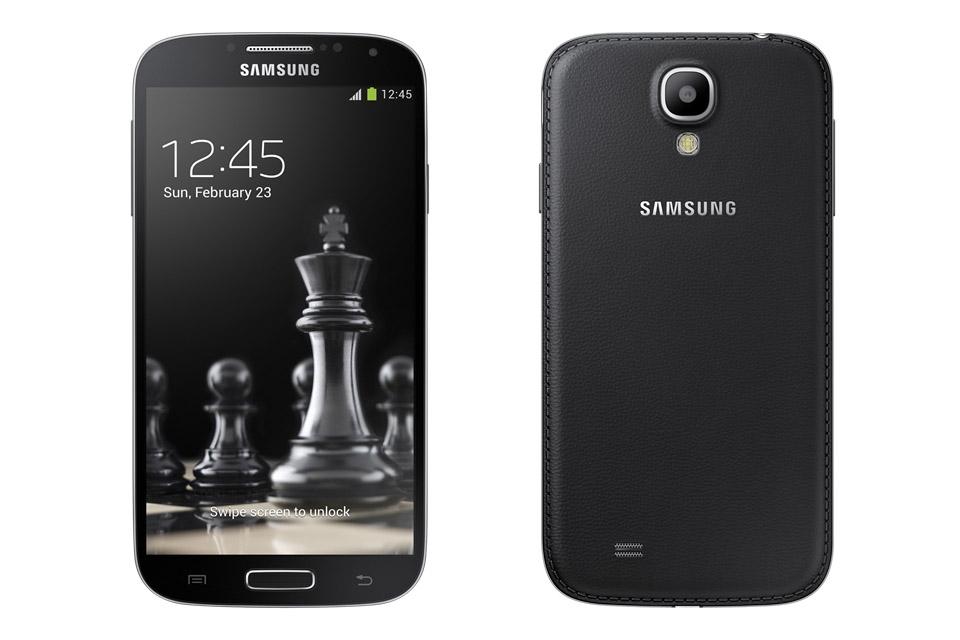 Galaxy S4 en Galaxy S4 Mini met achterkant van kunstleer verschijnen in maart