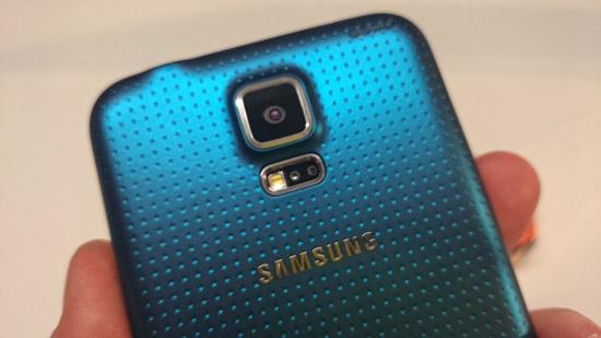 'Samsung ondervindt problemen met productie Galaxy S5 camera'