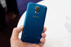 Video: Samsung introduceert de Galaxy S5 en zijn nieuwe features