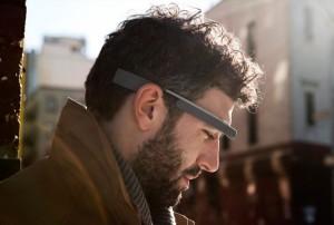 Google Glass van hoofd journalist gerukt en op de grond gegooid