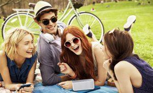 Samsung-Level-Lifestyle-Image-21