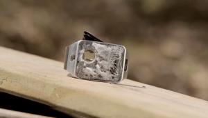 Video: Samsung Gear 2 neemt het op tegen Desert Eagle .50 Cal