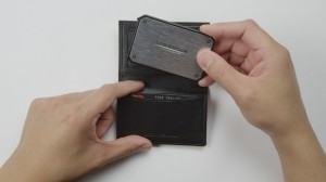 LithiumCard: krachtige oplader die gemakkelijk in je portemonnee past