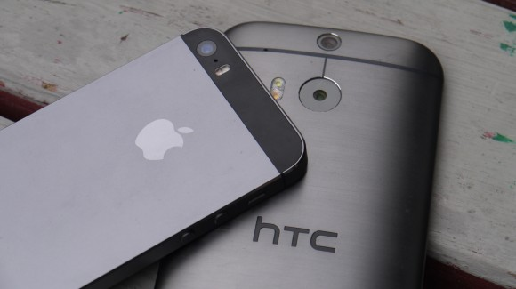 iPhone-5S-vs-HTC-One-M8