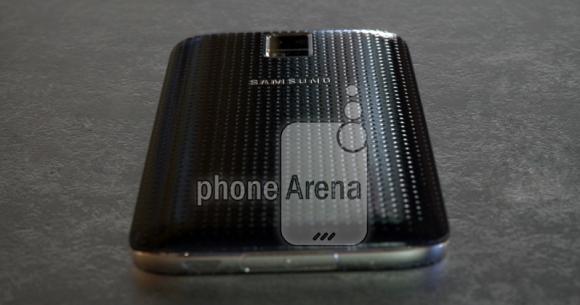 'Foto's en video's tonen metalen versie Galaxy S5'