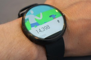 Moto-360-hands-on-steps-1024x682
