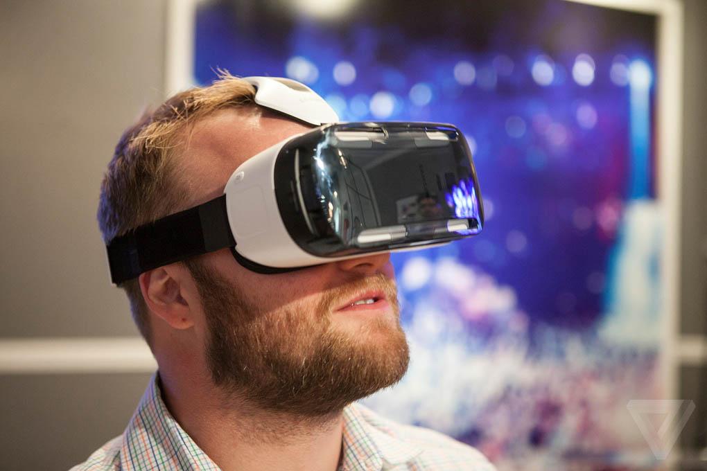 Infographic: zo werkt Samsungs virtual reality-bril