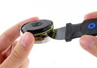 Moto 360 uit elkaar gehaald: zo ziet 'ie er van binnen uit