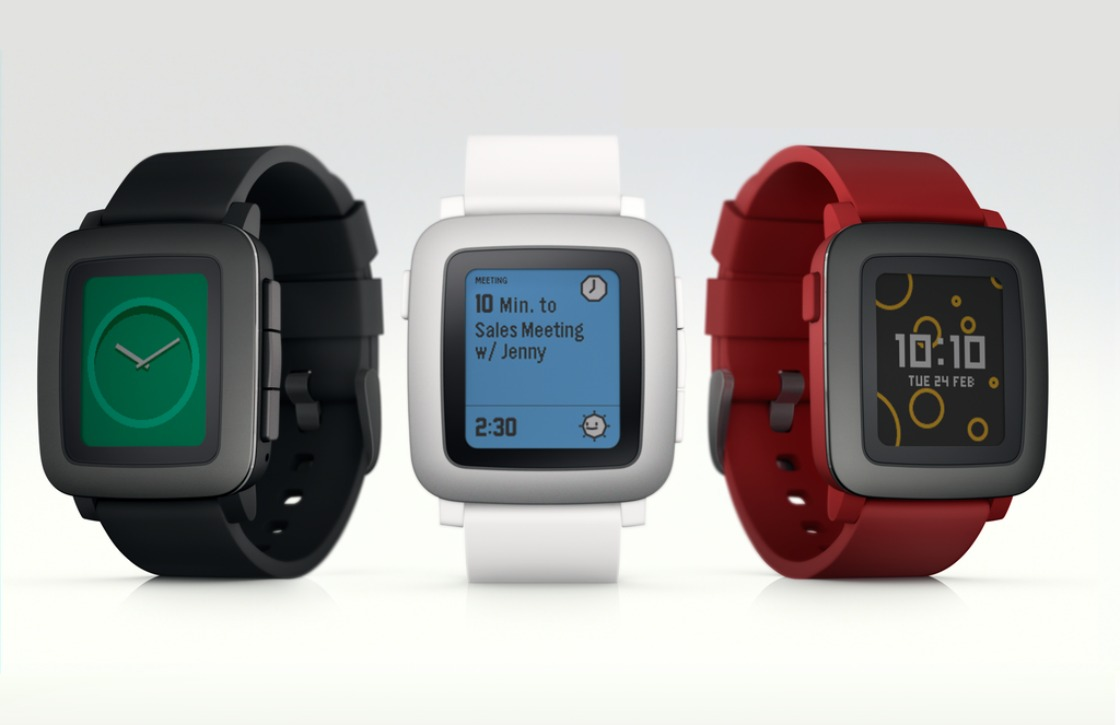 Pebble stopt met wearables na overname door Fitbit