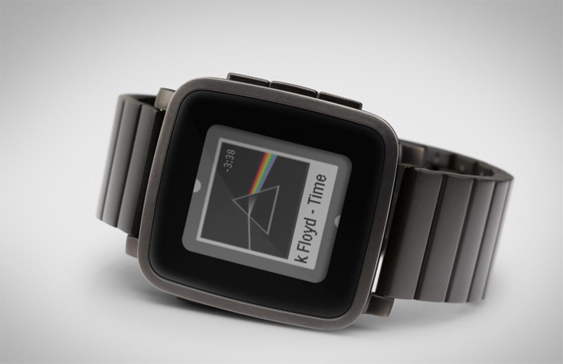 Pebble komt met metalen variant van Time-smartwatch