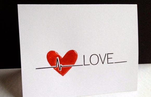 Verstuur je liefde via trillingen met I Love You Buzz