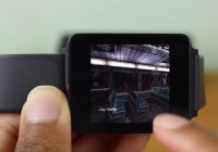 Video: jongen speelt Half-Life op Android Wear-smartwatch