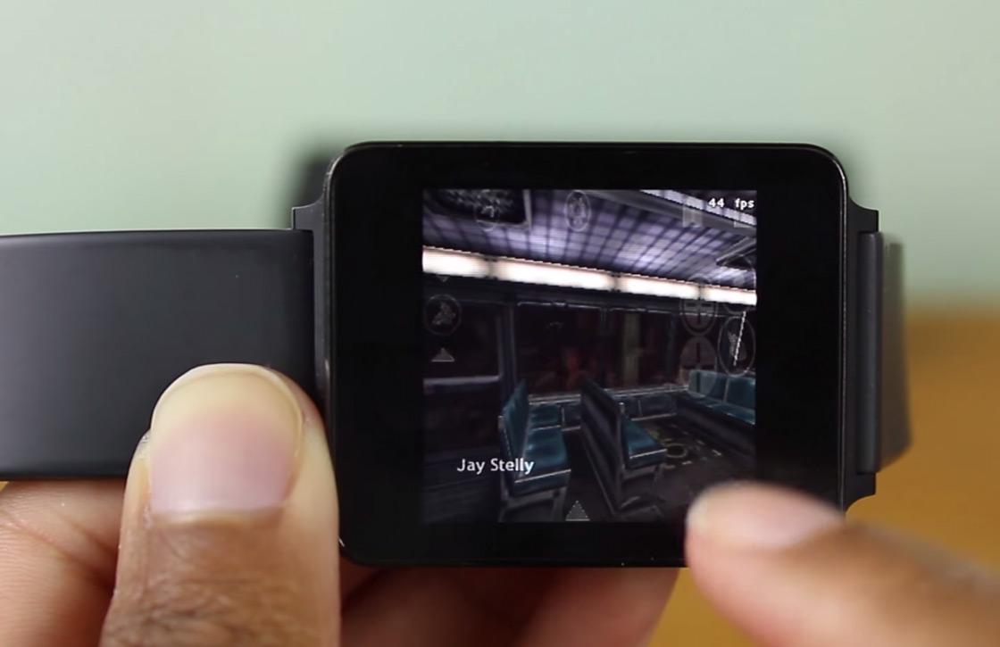 Video: jongen speelt Half-Life op Android Wear-smartwatch