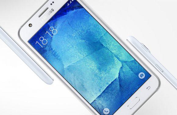 Samsung introduceert metalen Galaxy J5 met frontflitser in Nederland