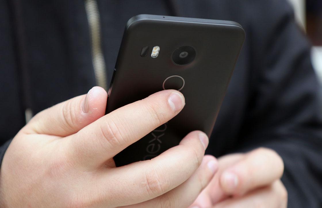 Google: 'Mogelijk slimmere vingerafdrukscanner voor Nexus 6P en 5X'