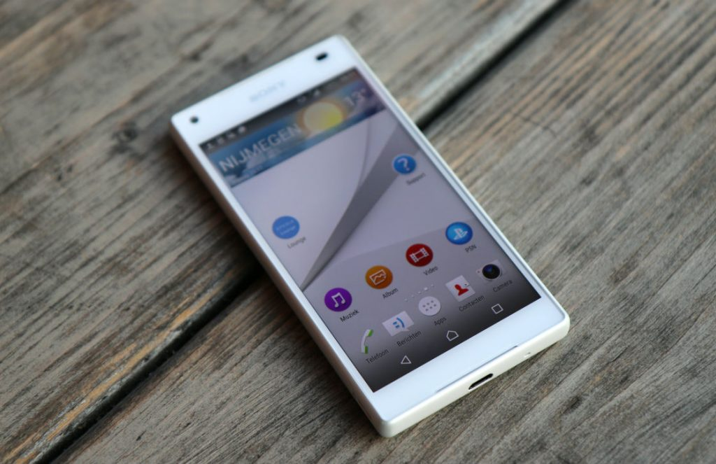 sony xperia z5 compact review 1