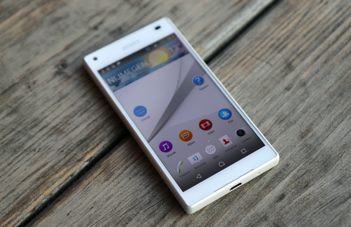 sony xperia z5 compact review compacte topper. Black Bedroom Furniture Sets. Home Design Ideas