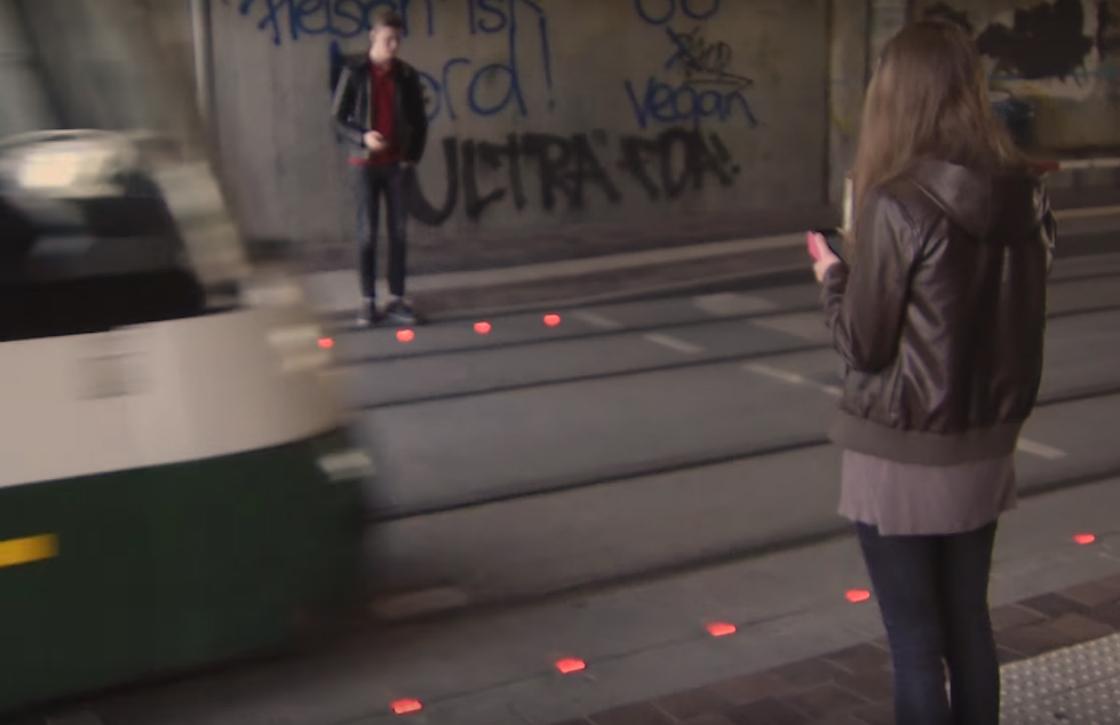 Video: Duitsland test stoplichten voor smartphonegebruikers