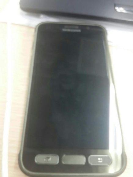 Galaxy S7 Active foto's