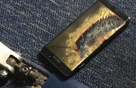 Vervangende Samsung Galaxy Note 7 vat vlam in vliegtuig