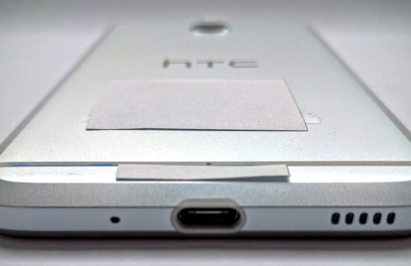 'HTC Bolt-foto's tonen toestel zonder koptelefoonaansluiting'