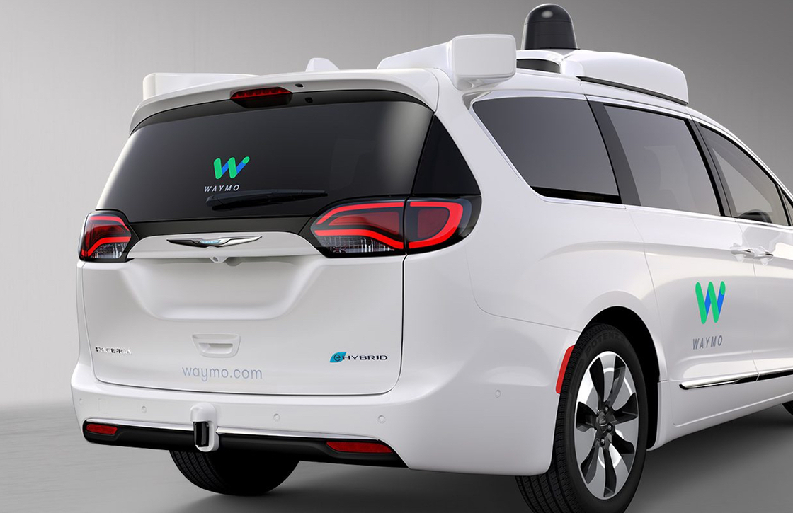 Uber-concurrent Lyft gaat met Googles zelfrijdende auto's aan de haal