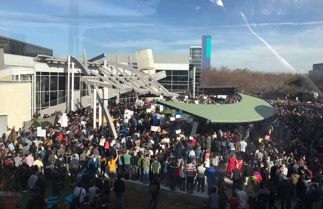 Duizenden Google-medewerkers demonstreren tegen Trumps inreisverbod