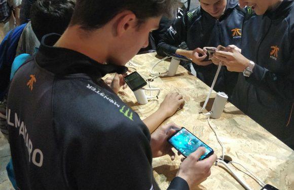 'OnePlus 5T in het wild gespot op game-evenement'