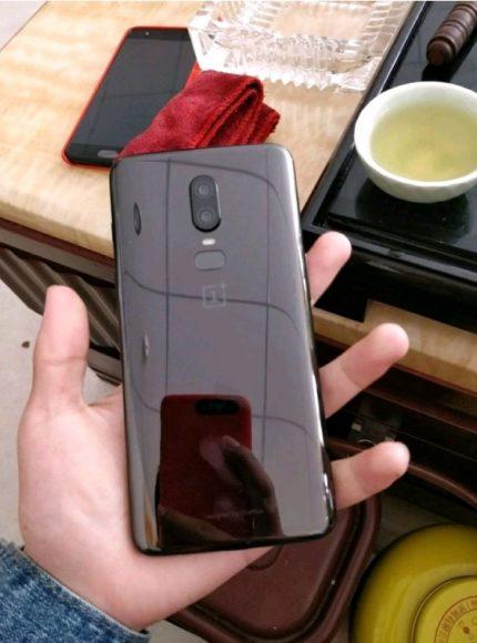 OnePlus 6 geruchten glazen achterkant