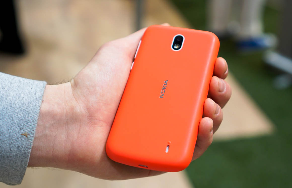 Video: hands-on met de nieuwe Nokia-smartphones