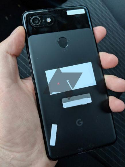 Google Pixel 3 XL in taxi