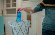 Videotip: zo ruim je je smartphone op voor het nieuwe jaar