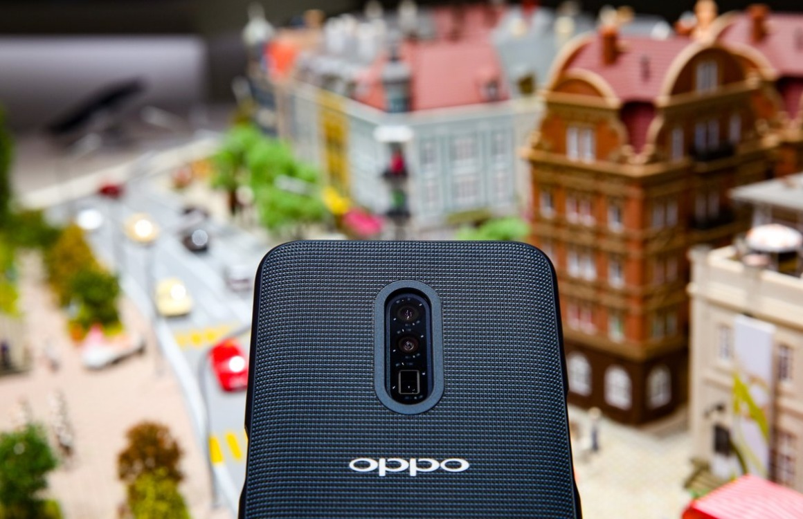 Oppo kondigt 5G-smartphone en eerste camera met 10x optische zoom aan