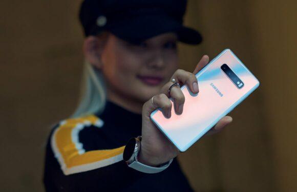 Video: vingerafdrukscanner Galaxy S10 overleeft stevige krastest deels